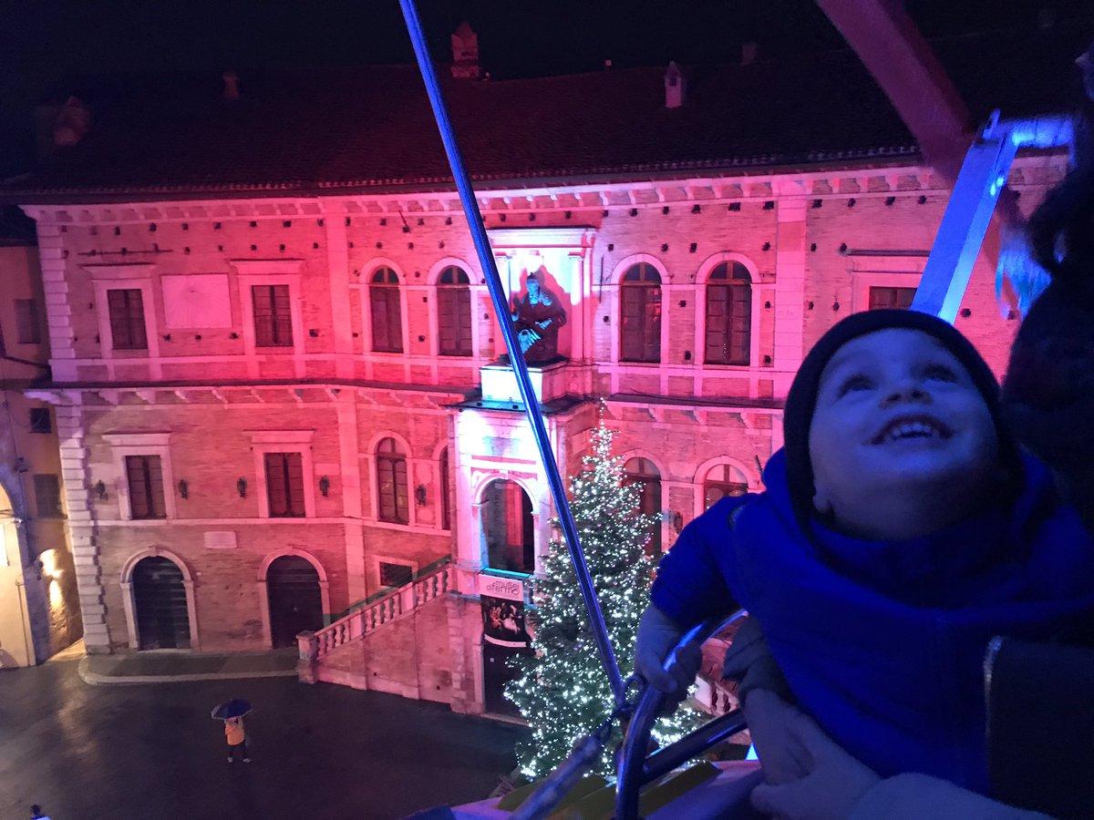 test Twitter Media - Inaugurata la ruota panoramica di #Fermo, Tommy ha molto apprezzato ❤️ vista bellissima su Palazzo dei Priori #marcheforkids #destinazionemarche https://t.co/UFbSIyYkIU