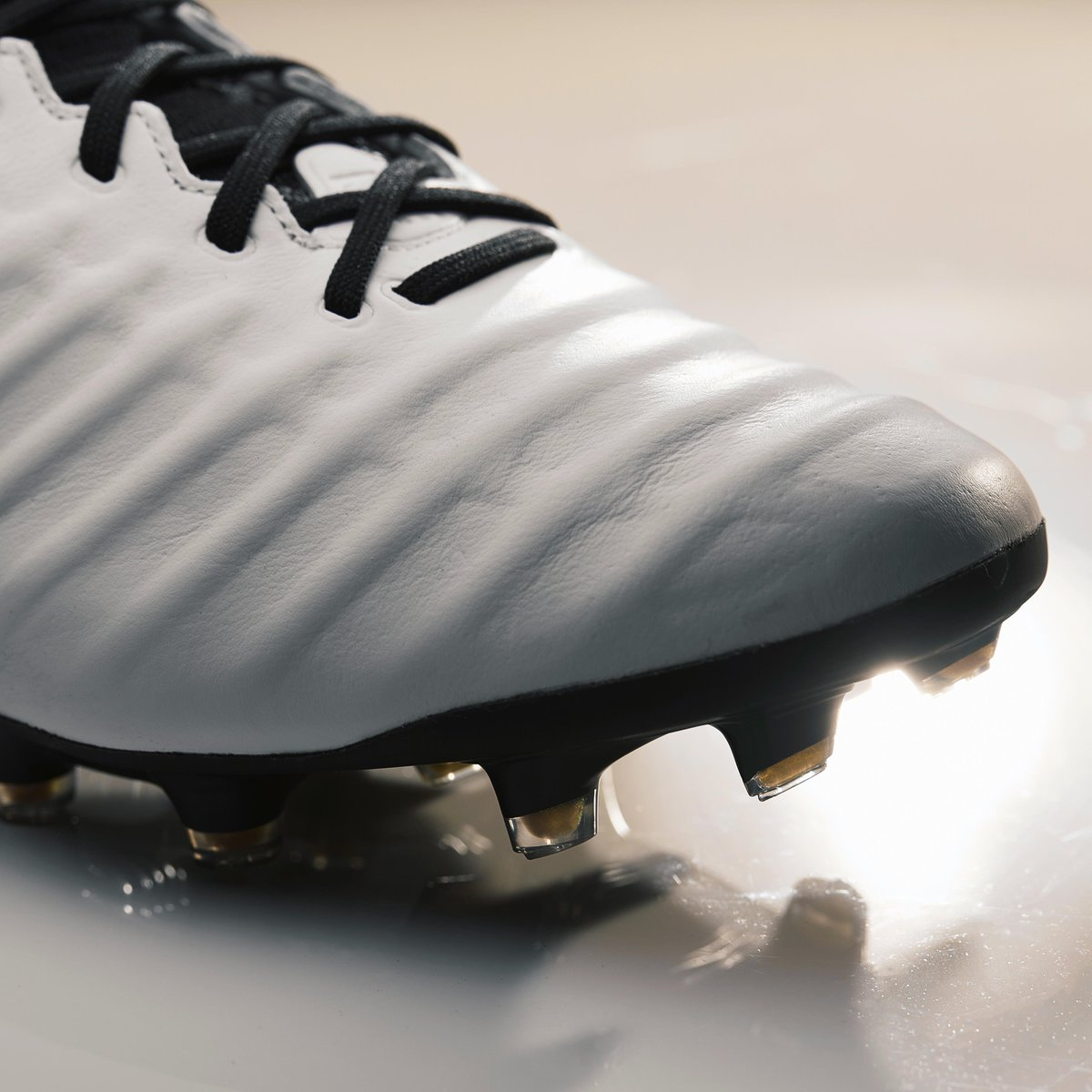 hot sale online 861bb 42985 Pro Direct Soccer on Twitter