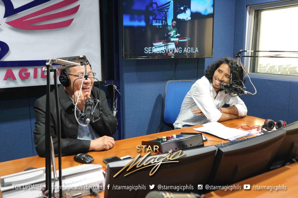 Pepe Herrera dropped by at Pinas FM and Radyo Agila to promote his upcoming film #AngPangarapKongHoldap, which will be hitting the theaters this November 28. #APKH