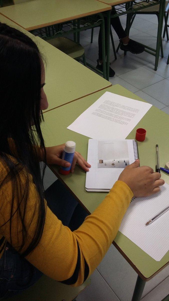 Conocemos las obras de Alexander Calder, para trabajarlo como proyecto de Navidad en nuestro ACE @IESArcipreste #escuelasquecambianelmundo #iesarciprestredehita