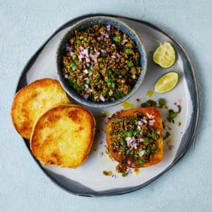 Meera Sodha's vegan recipe for spicy mushroom kheema https://t.co/Ym9ELEEhUI https://t.co/LIxmmiUUqP