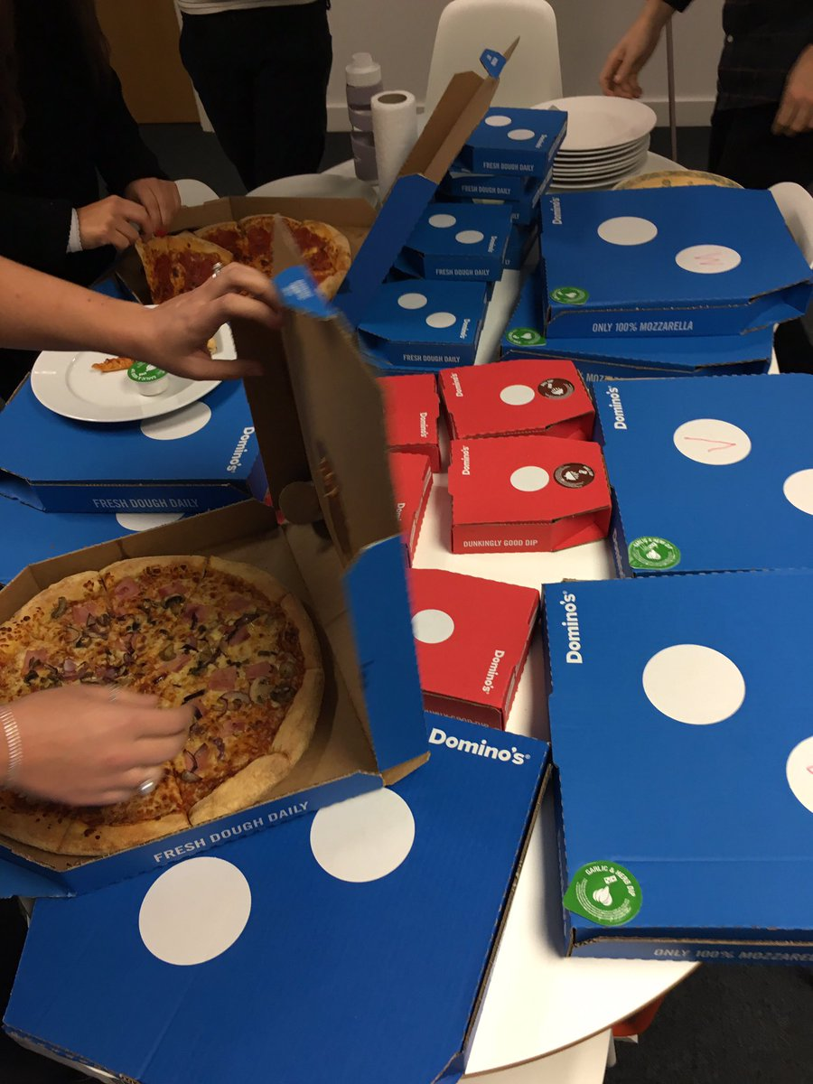 New starter means a tasty welcome lunch! 😋🍕😍 #pizza   #lunch Thanks @Dominos_UK ! https://t.co/6qEO2bqrNX