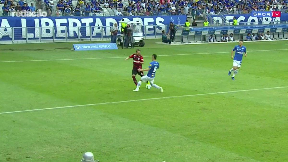 O gol do Éverton Ribeiro foi o mais bonito do Brasileirão?  #RedacaoSporTV