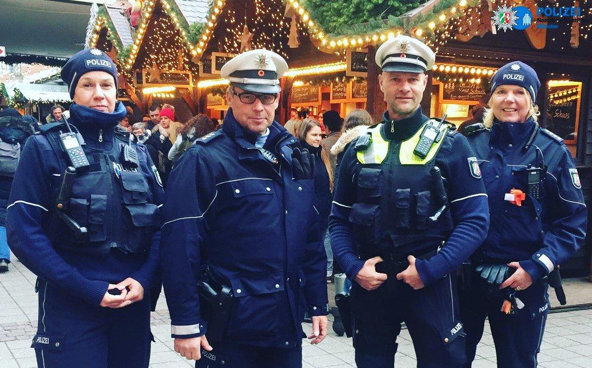 Polizei Nrw Ms No Twitter Unter Anderem Diese Vier Kollegen Sind In Den Nächsten Vier Wochen Auf Dem Weihnachtsmarkt Für Euch Ansprechbar Wirfüreuch Polizeimünster Polizei Münster Https T Co Aejmn4fe3h