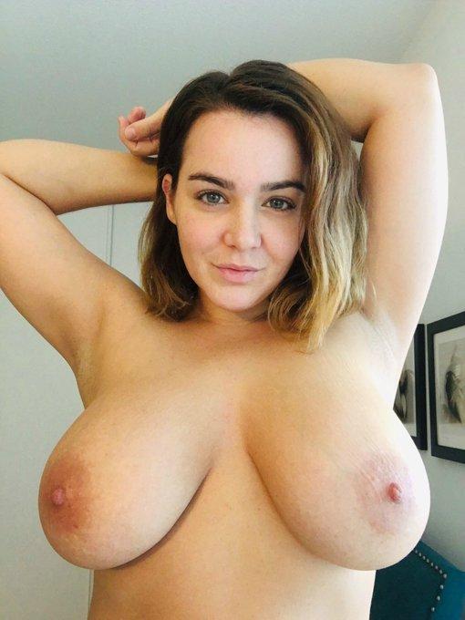 ☀️ Morning Sunshines! Retweet if you love #boobs! ☀️ https://t.co/9e4v66uixz