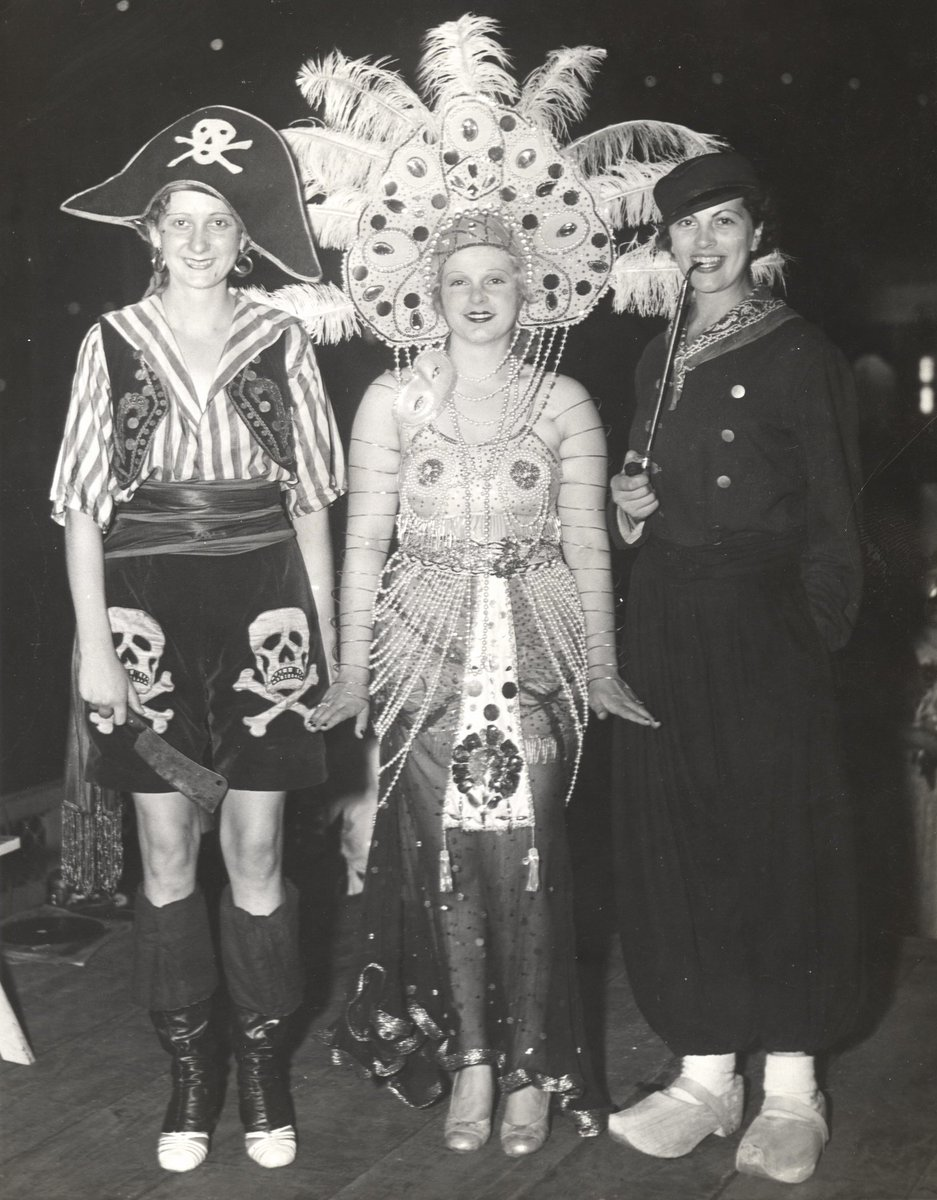 Via UIC Library Digital Collections, #glamourmonday features: Participants in the Parade of the Masques, which was held on the Boardwalk of the Midway, during the Worlds Fair 1933. #costumes #glamour #paradeofmasques #vintagechicago #chicago #artdeco #artdecochicago