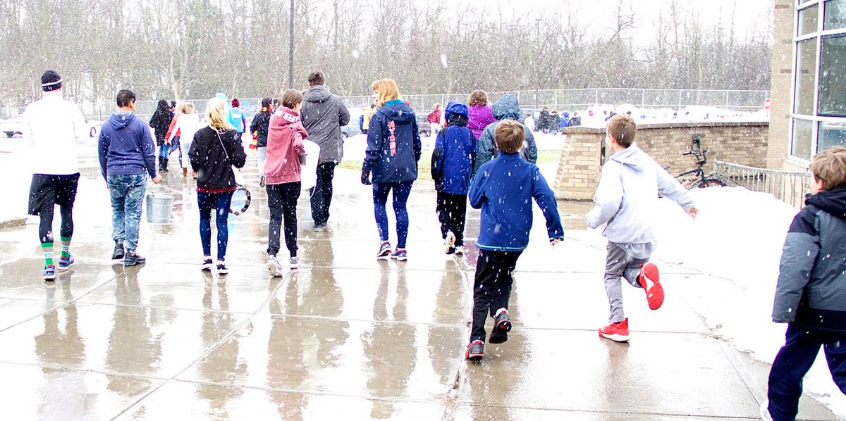 Hundreds participate in first annual Turkey Trot at Newark Middle School
