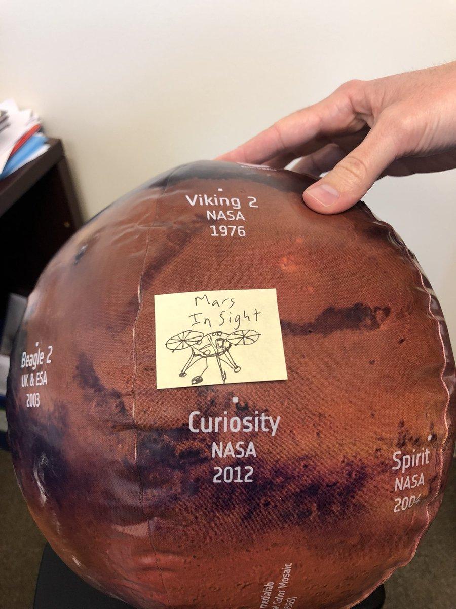 WE HAVE A NEW ROBOT ON MARS!!!! #MarsInSight has landed! We're gonna study Marsquakes!! #MarsLanding