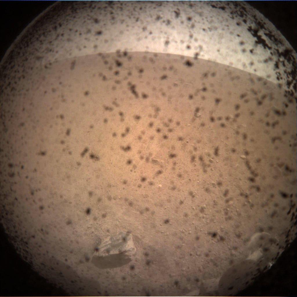 InSight - Mission d'exploration sur Mars - Page 6 Ds9GFyQU8AAipOH