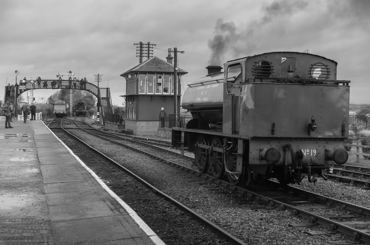 test Twitter Media - RT @SirHectorMunro: A busy station - Bo'ness.  @bonessrailway @srpssteam https://t.co/1VC1zFmZH4
