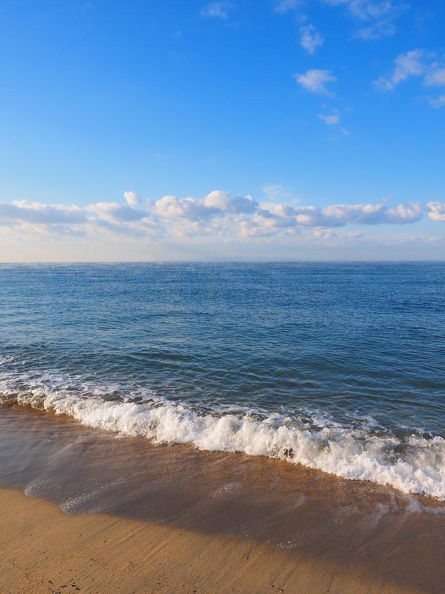 一度きり、幾億分の一の波。光市・虹ヶ浜。 https://t.co/MA7AlIyxr7