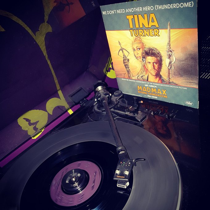 Happy Birthday Tina Turner *79*! We don\t need another hero (Capitol Records/1985)cdbuttek