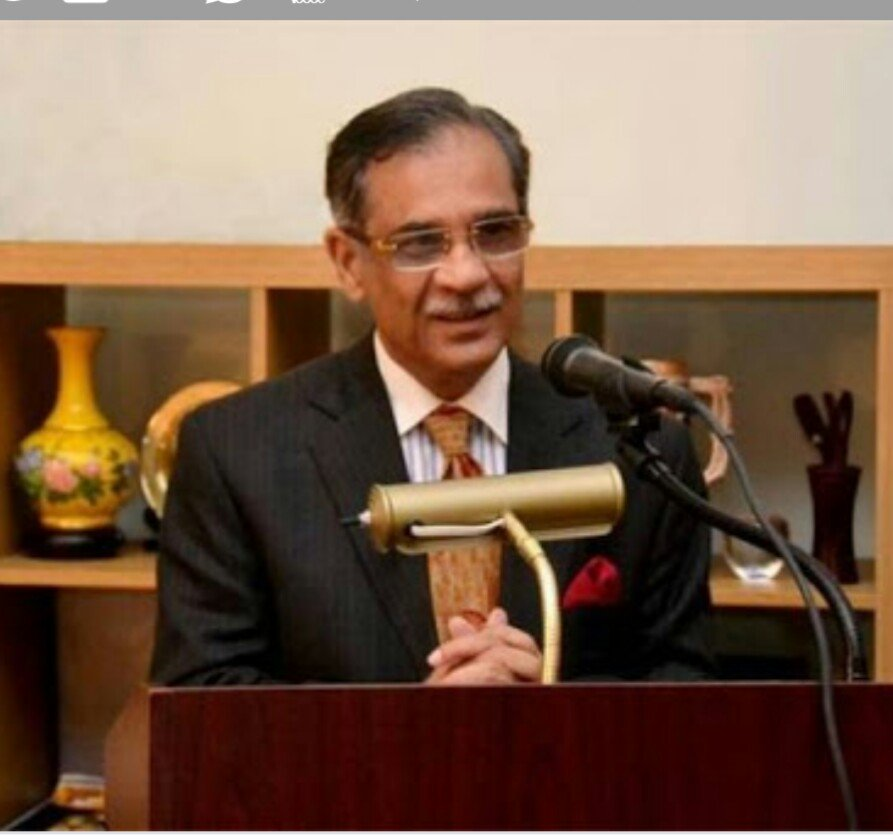 Justicei Mian Saquib Nisar, the Chief Justice of Pakistan Supreme Court. It took a real man to stand up to the rabid Islamists and overturn the barbaric death sentence of Asia Bibi. My Idol of the month. <br>http://pic.twitter.com/clX9YTWilI