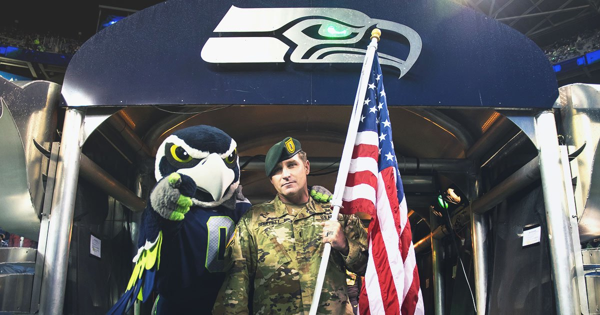 Don't miss #SaluteToService activities tonight at @CenturyLink_Fld. ����  �� | https://t.co/8RhS7tvhpn https://t.co/uKAef7FLwL