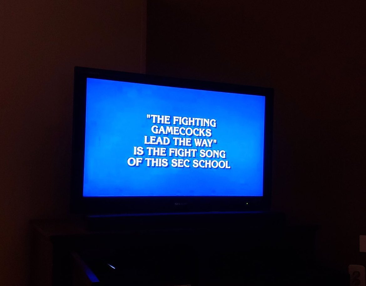 ".""Step to the rear, Carolina is here...""   Anyone else catch our clue on @Jeopardy tonight? <br>http://pic.twitter.com/zlpXUl1i41"
