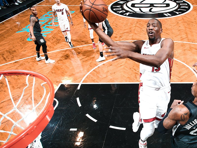 #MIAvsBKN: Miami's lead is back up to 20!  HEAT 77, Nets 57 with 6:37 on the 3rd quarter game clock.