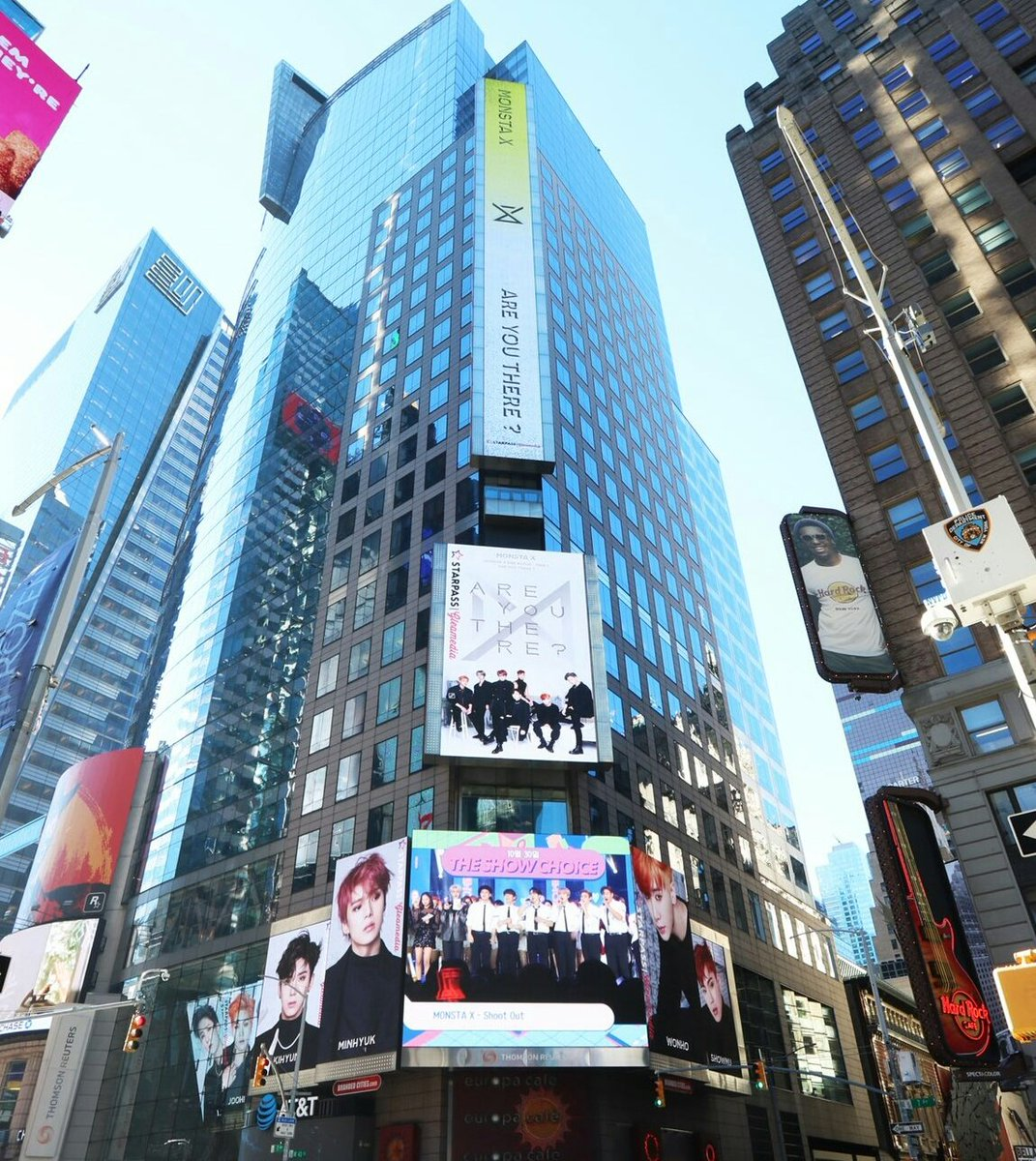 MONSTA X, SOYOU, WJSN at New York Times Square   so proud of starship family success the show is the best <br>http://pic.twitter.com/JlGcIBSHWU