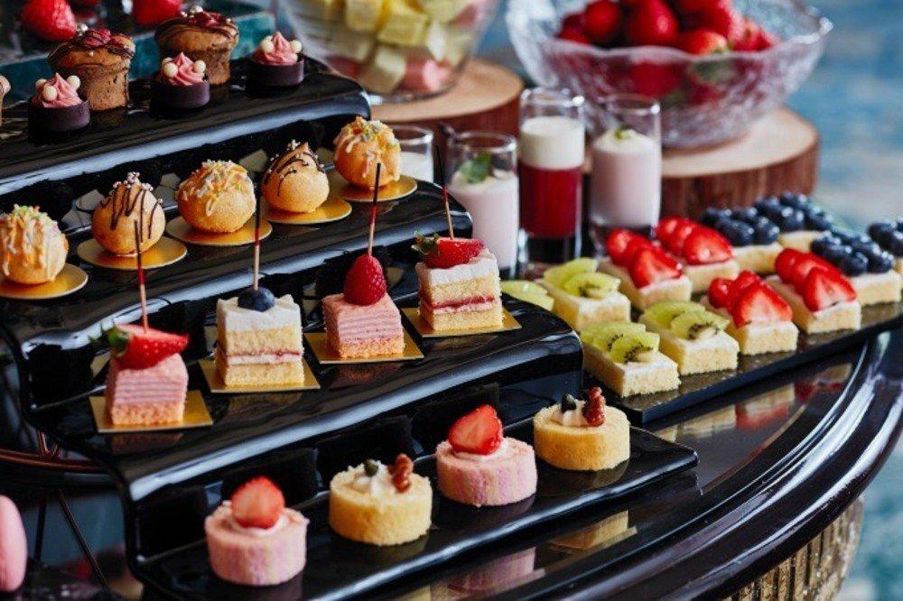 「苺&ランチブッフェ ~森のストロベリーパーティー~」ホテル椿山荘東京で、苺のブリュレパフェなど - https://t.co/jldMLjHP20