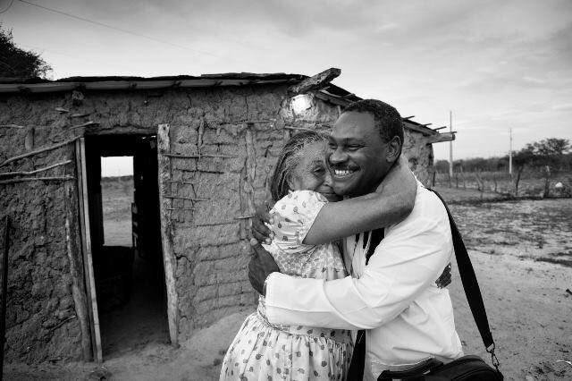 Momentos de encontros, cuidado e amor.  Em cada canto do Brasil, em cada peito auscultado, em cada sorriso de esperança. Obrigado Cuba.  Fotos: Araquém Alcântara.