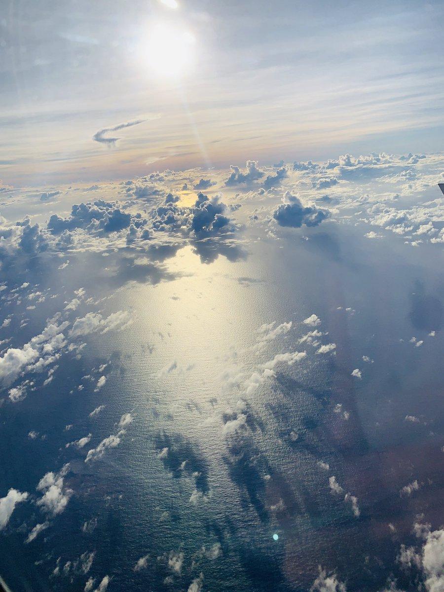 飛行機の中からすごい写真撮れたから見て