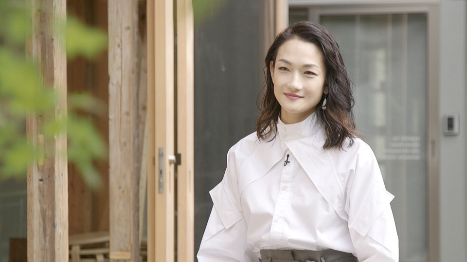 \冨永愛 さん 出演決定/ 放送まであと2日!「野村万作・萬斎 狂言劇場」 モデルとして活躍されてい