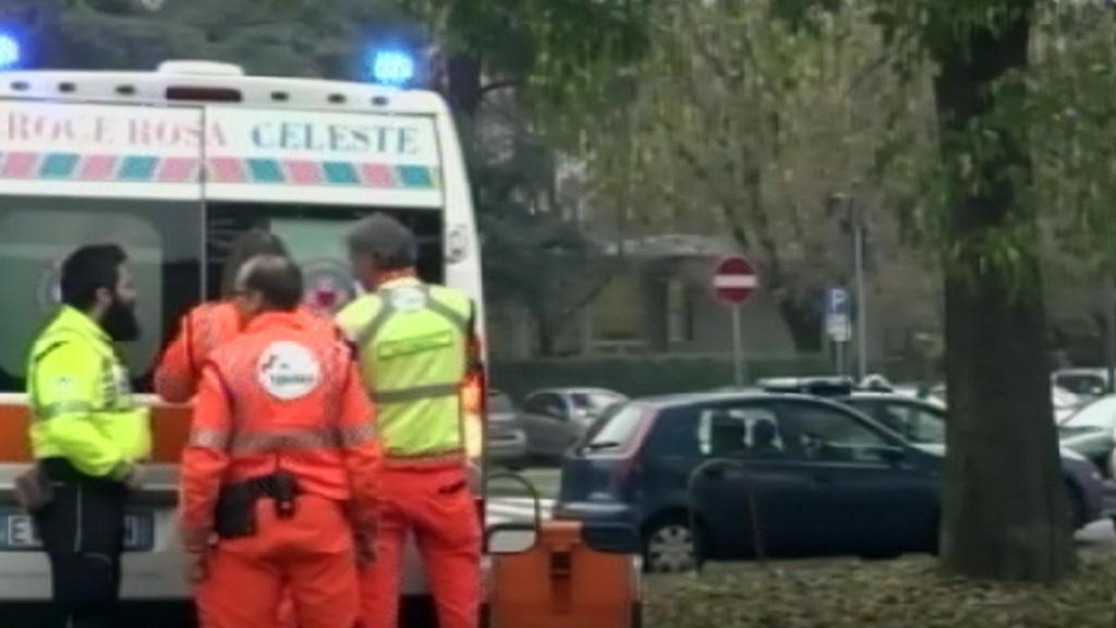 Brusca frenata sulla linea rossa della metropolitana di Milano, sette feriti lievi https://t.co/xFUcmOpmq0