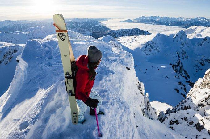 Hoy @asiersanz nos presenta a la colección 18-19 de la marca francesa de #freeski #esquilibre @blackcrows_skis en #MaterialNevasport ➡️https://t.co/MTanltXjVr
