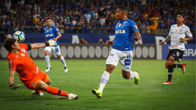 #98Esportes | Primeiro reencontro após final da Copa do Brasil, Cruzeiro venceu por 1x0 e complicou o Corinthians na luta contra o rebaixamento. 📷Vinnicius Silva | Cruzeiro Foto