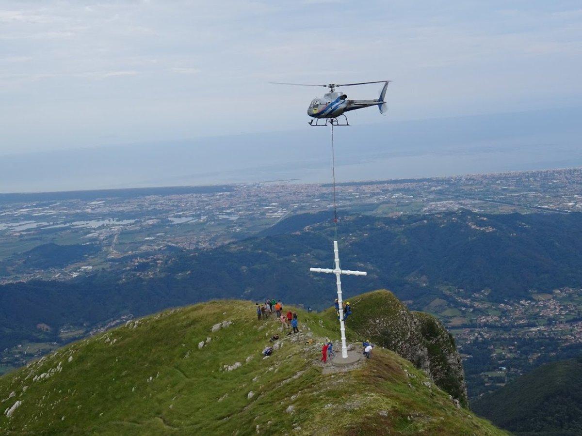 50 Anos após instalação, a Cruz do Monte Prano, homenagem à Força Expedicionária Brasileira, é restaurada https://t.co/S5NqNF2qvN