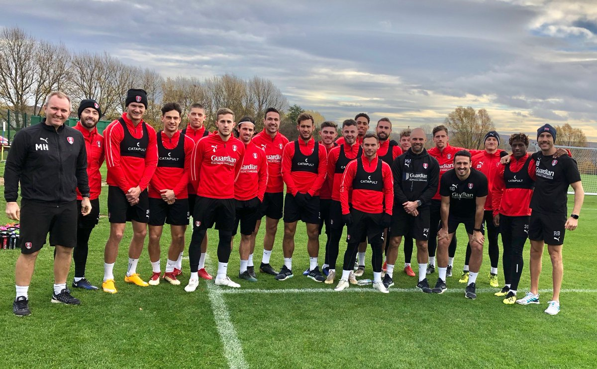 150km down, another 150km to go... 🏃 🏃 Congrats to @OfficialRUFCs @PhysioRUFC & @rossburbeary who are half-way through their 10km-a-day running challenge, raising just shy of £3,000 so far. Keep it going lads! 🙌 To donate, click here: bit.ly/2AEaXRp