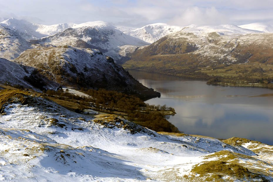 40 places you won't believe are in the UK features Ullswater in the Lake District loveexploring.com/galleries/7890… #theplacetobe #ThursdayThoughts #winterwalks