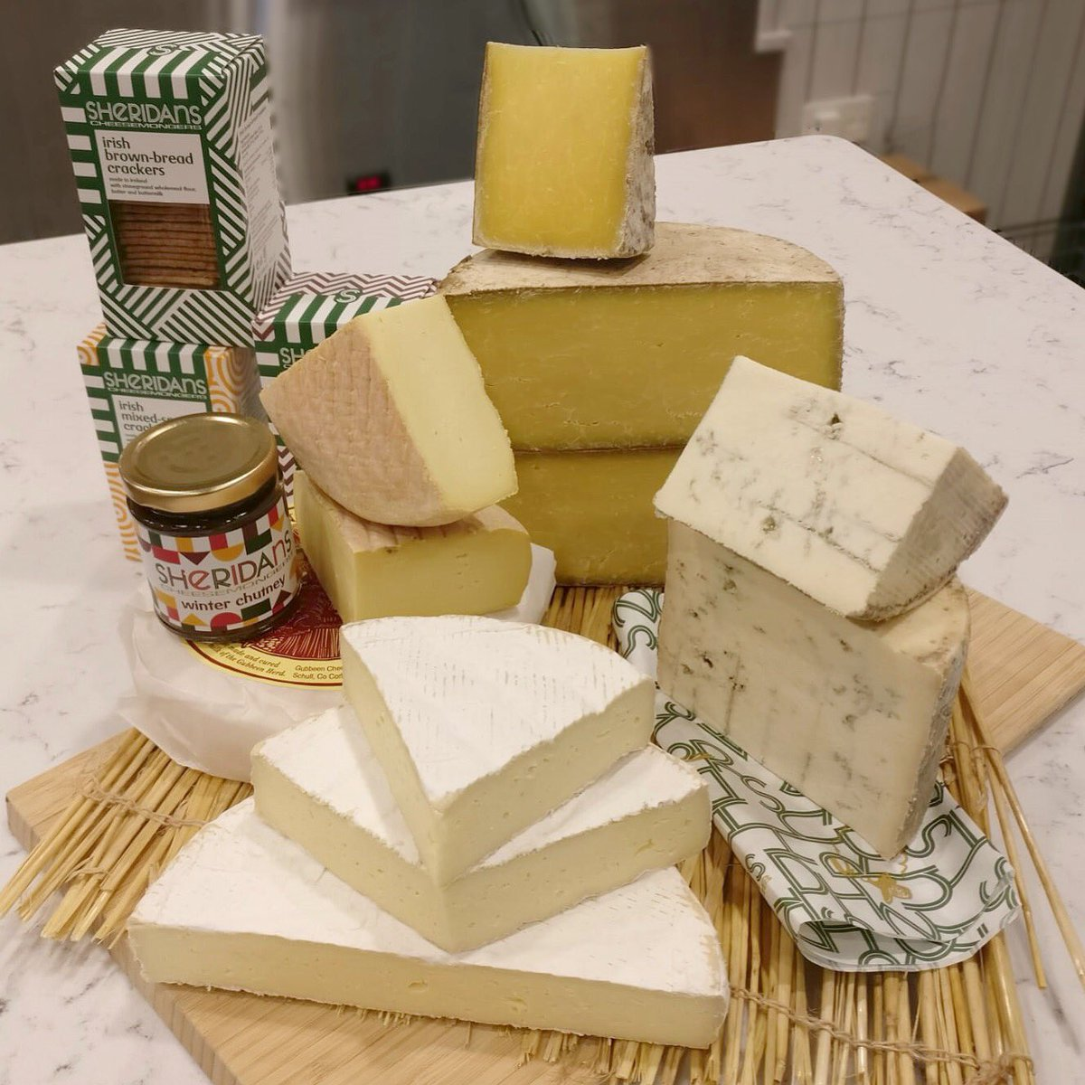Today is Swords Pavilions Day & we'll be doing cheese tastings of 15 fields, Crozier Blue, Gubbeen and Wicklow bán along with our winter chutney! Boxes of the Swords Pavilions cheese selections will be available in  Swo@dunnesstoresrds - perfect for an easy Thursday dinner.