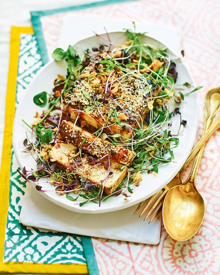 Believe it or not, this stunning tofu main by @cookinboots only takes 20 minutes to make! https://t.co/U06HCG4DeR https://t.co/7zxsAV0utA
