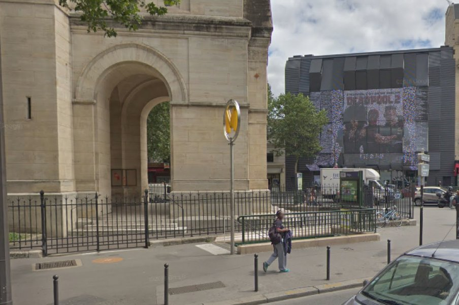 Paris: un sexagénaire traité de 'mécréant' en pleines courses de Noël https://t.co/lqSHNbeojU
