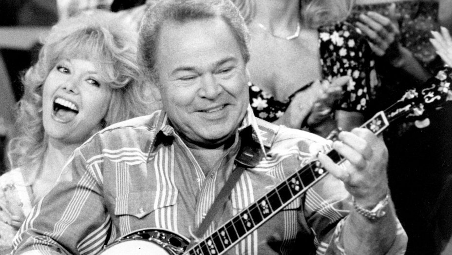 Country star Roy Clark dies at 85 https://t.co/nEmjQJZxwH