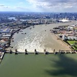 It's London Flood Awareness 2018 - which is a good excuse as any to share this stunning shot of the #ThamesBarrier doing its thing. Follow @LDN_prepared for all the latest https://t.co/PDOtsBcryu #LDNFloodAware #PrepareActSurvive