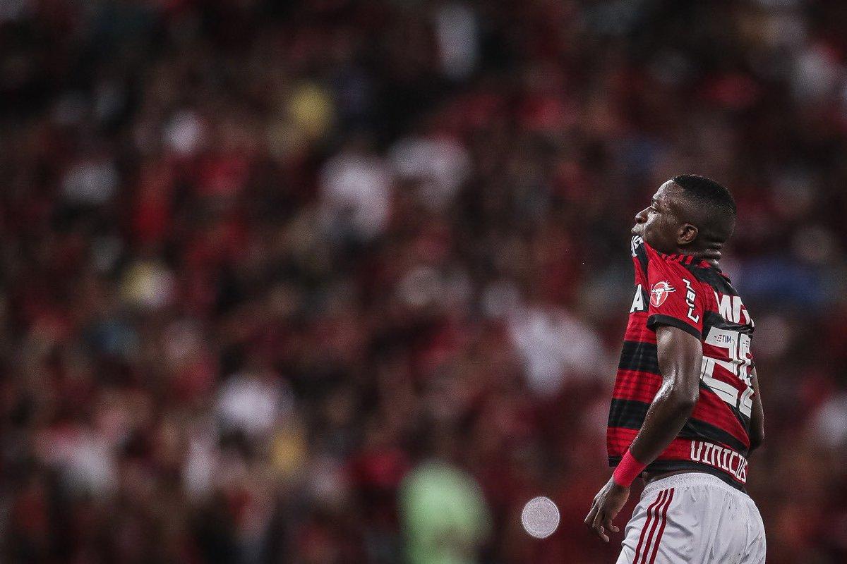 Vesti o manto ao nascer, me acostumei a vencer... Minha maior herança é esse amor por você! Parabéns @Flamengo pelos 123 na primeira divisão, muitos títulos e uma linda história! Somos 40 milhões de apaixonados! Obrigado por tudo ⚫️🔴