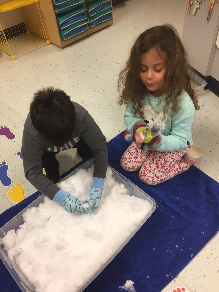 What do we do when it is snowing? Play in it😀<a target='_blank' href='http://search.twitter.com/search?q=HFBtweets'><a target='_blank' href='https://twitter.com/hashtag/HFBtweets?src=hash'>#HFBtweets</a></a> <a target='_blank' href='http://search.twitter.com/search?q=apsisawesome'><a target='_blank' href='https://twitter.com/hashtag/apsisawesome?src=hash'>#apsisawesome</a></a> <a target='_blank' href='https://t.co/PKXvyNsLpT'>https://t.co/PKXvyNsLpT</a>