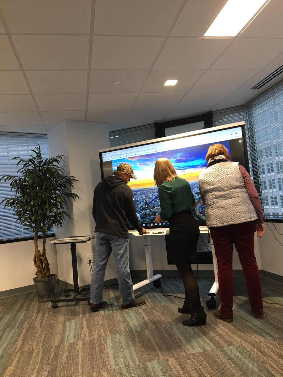 Learning more about <a target='_blank' href='http://twitter.com/SMART_Tech'>@SMART_Tech</a> on this snowy morning! <a target='_blank' href='http://twitter.com/TechAtATS'>@TechAtATS</a> <a target='_blank' href='http://twitter.com/AshlawnITC'>@AshlawnITC</a> <a target='_blank' href='https://t.co/6v8CACsIVN'>https://t.co/6v8CACsIVN</a>