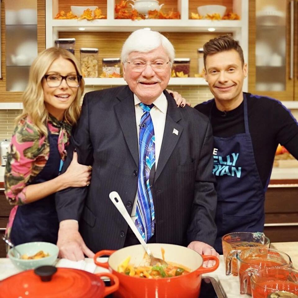 Kelly's dad, Joe Ripa, cooked on today's show! See all of this week's holiday recipes at: bit.ly/2QxvufP