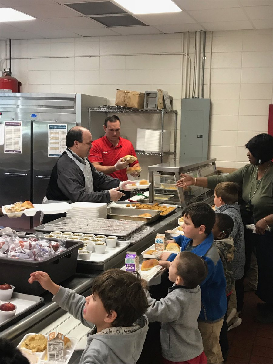 We would like to thank our Superintendent, Dr Grierson and   Board Member, Bubba Pierce for service our students and staff Thanksgiving lunch today