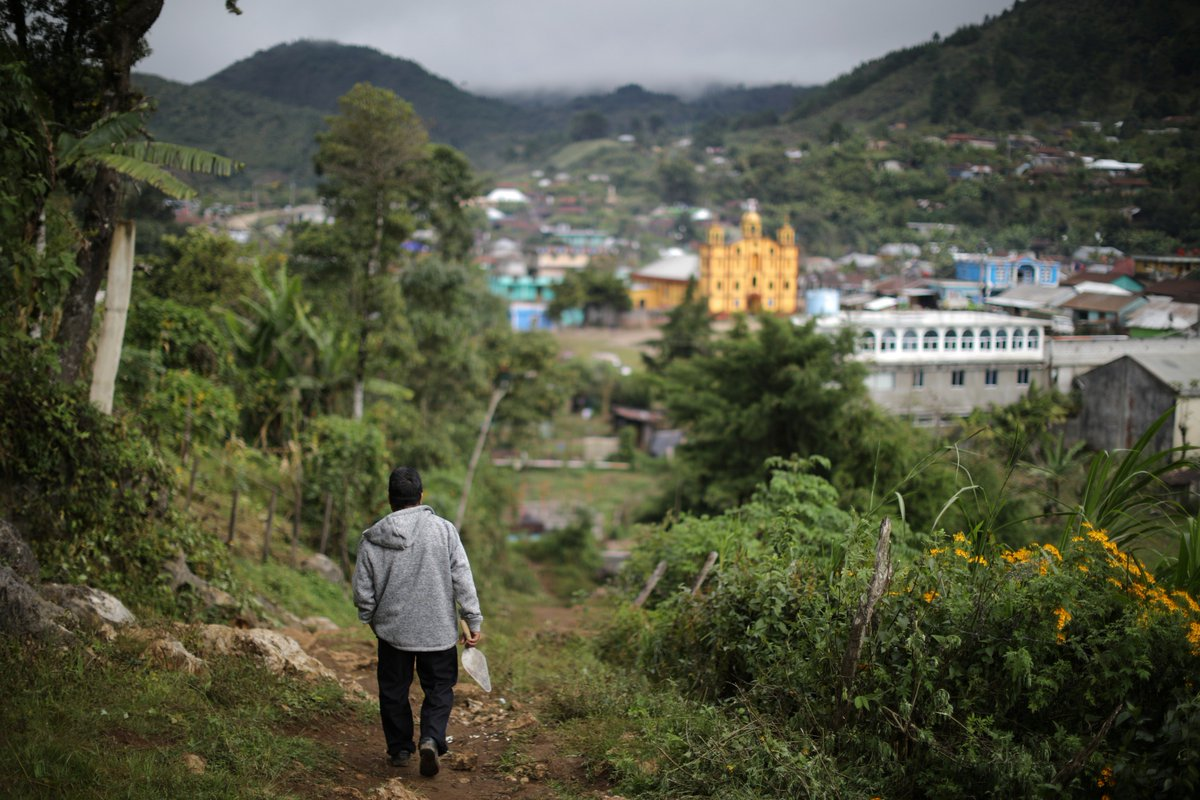 5/12 @Reuters pieced together accounts of what led to this moment. Paiz had been a restaurant cook who hoped to find work in the U.S. Two weeks earlier, he and his uncle had set off from Aguacate, a struggling Guatemalan farming town.