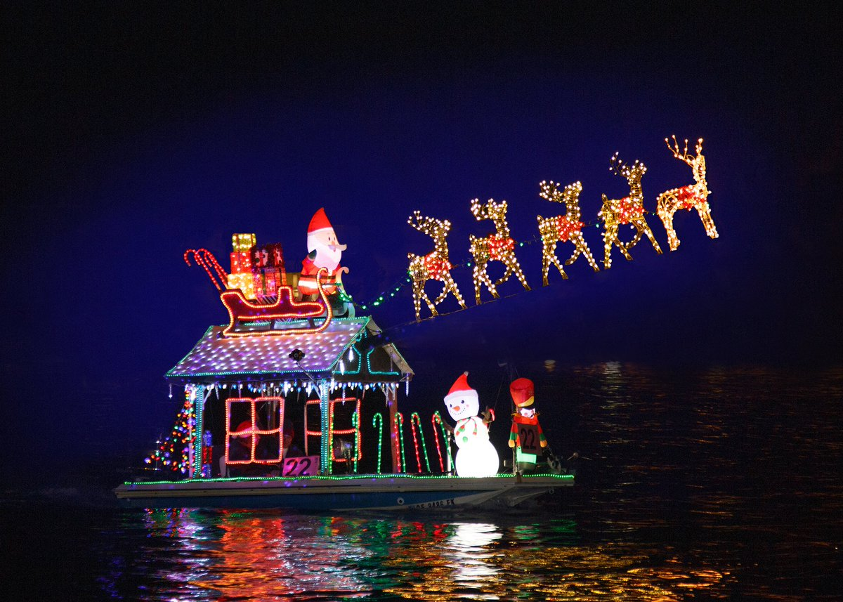 Christmas Boat Parade Newport Beach.Nb Boat Parade On Twitter Cast Your Vote For The