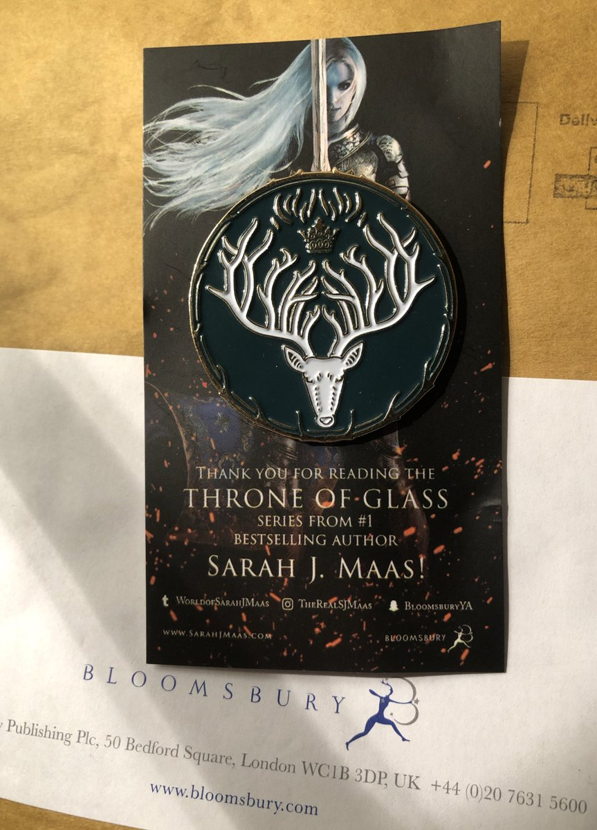 Yaaaas my #ThroneOfGlass pin arrived - thank you @KidsBloomsbury!!! #SarahJMaas #KingdomOfAsh <br>http://pic.twitter.com/Rub2f6ed3h