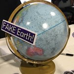 Attenfing the International Flat Earth Conference in Denver. Visit to some booths. Many media people present too, as expected.#FEIC2018 #FlatEarth