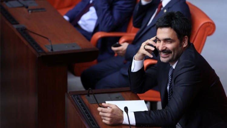 Yavuz Oğhan: Uğur Işılak bir saatte 40 bin lira alıyor, çok büyük israf sptnkne.ws/karm