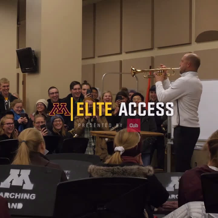 Come for the pizza, stay for @Coach_Fleck trying to play a trumpet. Thanks for rowing the boat with us, @UMNmarch @cubfoods Elite Access: Pizza for the Band