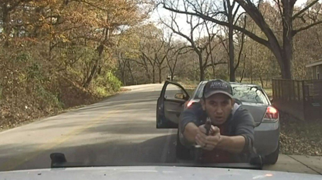 Dashcam footage shows moment driver opened fire on deputy during traffic stop https://t.co/5IY6NPl7tw https://t.co/KBMNVQW7f4