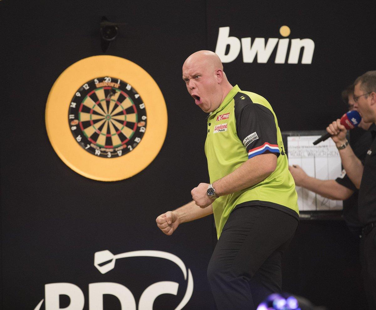 REPORT | Van Gerwen Sees Off Smith In Great Grand Slam Battle: michaelvangerwen.com/van-gerwen-see… #Darts
