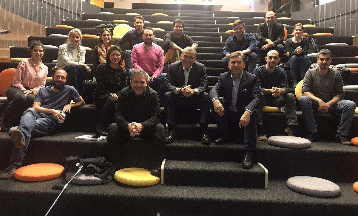 Dün akşam değerli iş arkadaşım @ibrahimromano ile Endeavor Atölye serisinin 'Değişken Ekonomilerde İş Yapmak' etkinliğinde konuşmacıydık. @yemeksepeti'nin muhteşem ofisindeki bu toplantıda tanıştığımız girişimci kardeşlerimizin yaptıkları işlerden çok etkilendik. @endeavor_turkey